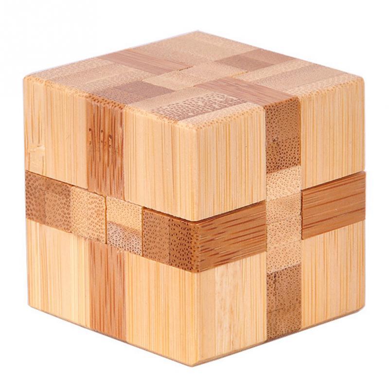 Desktop cube puzzle