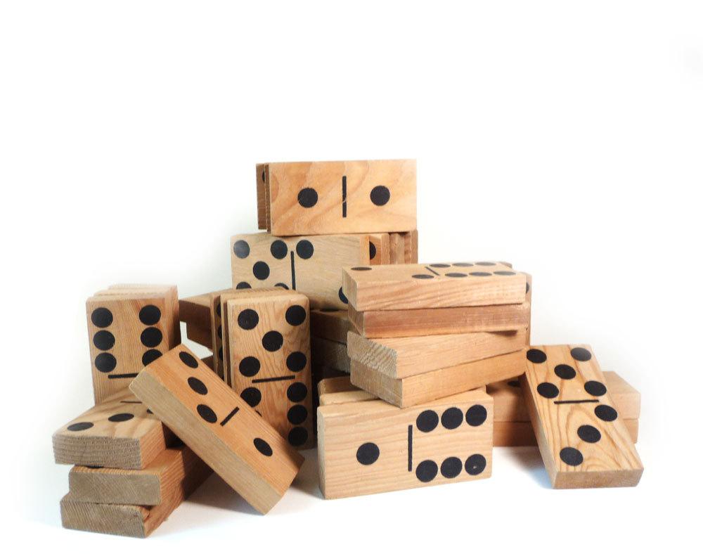 wooden yard dominoes game
