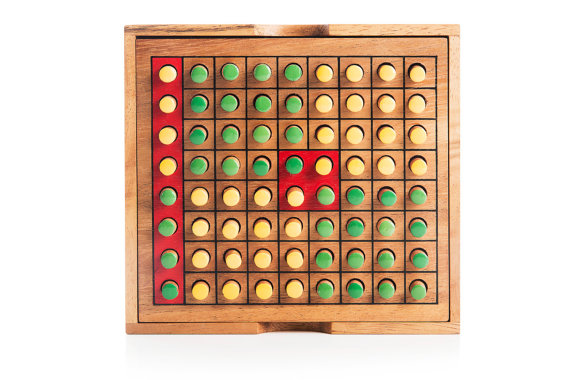 wooden board Othello game