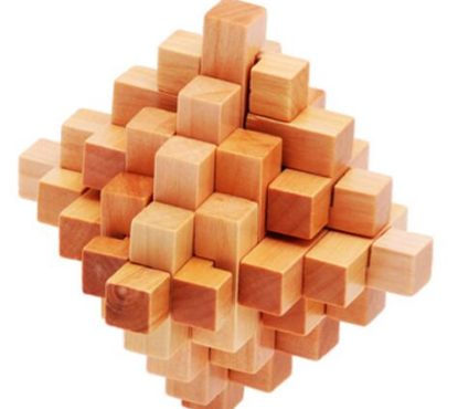 wooden puzzle expert's working